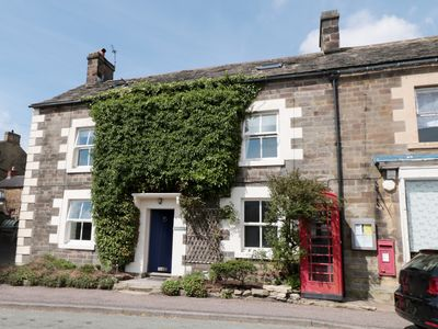 Photo for MILLWARD HOUSE, pet friendly, with open fire in Longnor, Ref 946519