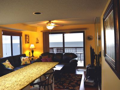 Beautiful/Modern Corner Penthouse 😎1BR Oceanfront w/Panoramic-View 210+ Reviews