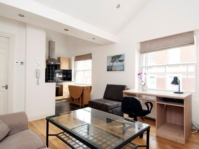 Photo for Covent Garden/Bloomsbury,British Museum Beautiful 1 bed apt near museum theatres