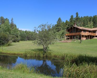 Country Heaven Is A Great Vacation Home Nestled Just 5 Miles SW Of Lead, SD.