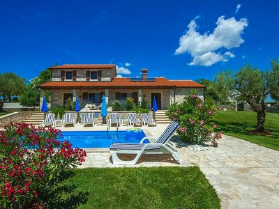 Photo for Holiday house Kastelir for 8 - 10 persons with 4 bedrooms - Villa