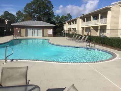 Photo for BEACH LIFE😎! Gulf Shores Condo Located Close to Shops & Resturants. WiFi