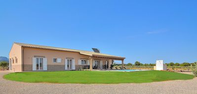 Photo for Sion House spacious villa with spectacular exteriors 511
