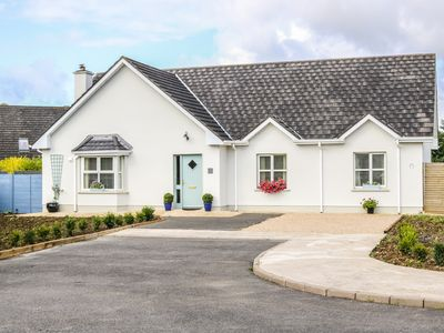 Photo for 2 CASTLE COVE, pet friendly in Dromahair, County Leitrim, Ref 959017