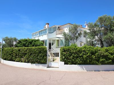 Photo for Apartment in front of the beach with two bedrooms, garden and barbecue