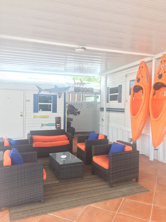 Shark Property Great Place To Enjoy With Family And Friends Surrounded 1073239