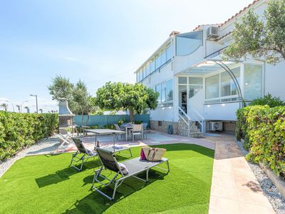 Photo for Spacious Apartment in Empuriabrava with Private Garden