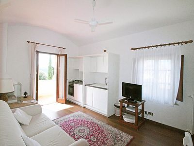 Photo for Apartment in San Gimignano with Parking, Internet, Washing machine, Air conditioning (117195)