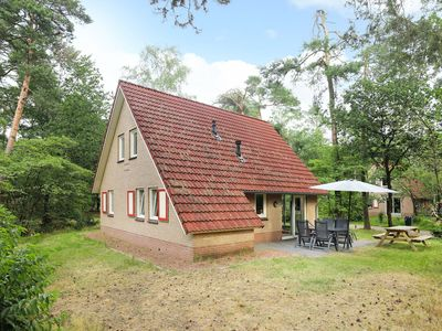 Photo for Luxury 4-person children's bungalow in the holiday park Landal Landgoed 't Loo - on the water/recreation lake