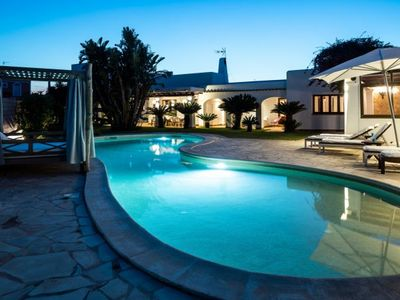 Photo for One bedroom Villa, sleeps 8 with Pool, FREE WiFi and Walk to Shops