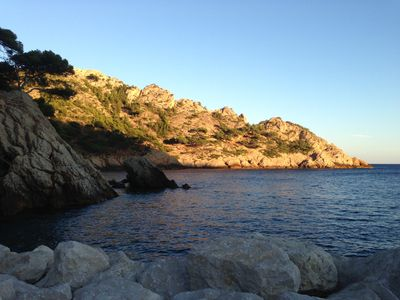 Photo for 50 m Sea calanque la Vesse mediterrannée house courtyard 8 places place boat