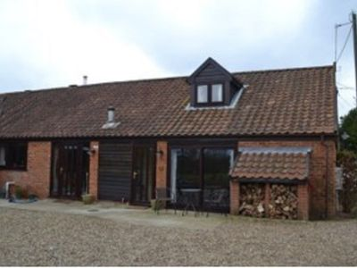 Photo for Luxury self contained holiday let, peaceful location by the Norfolk Broads