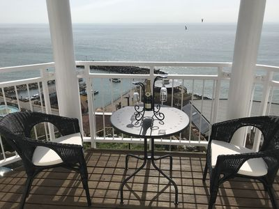 Photo for Ventnor Apartment with Stunning sea views
