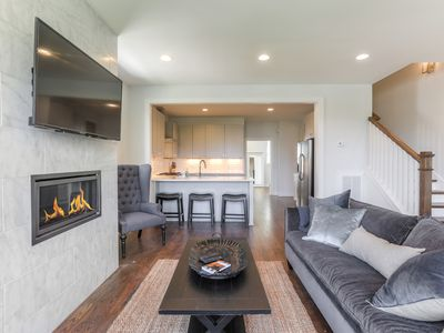 Photo for Contemporary 4BR w/ 900 Sq Ft Rooftop Deck, Skyline View, Near 12S, The Gulch