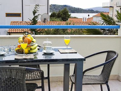 Photo for Apartment Villa Pina in Vodice - 4 persons, 1 bedrooms