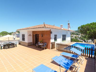 Photo for Club Villamar - Nice house with private pool and terrace with barbecue, located in a quiet area