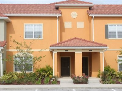 Photo for Beautiful High-End Townhome Close to Disney and the 192