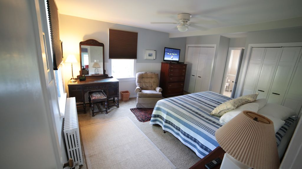 Spacious & comfortable home just a 2 minute walk to ocean and boardwalk!