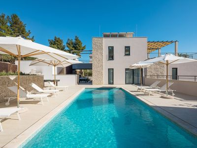 Photo for Luxury Villa Juliet with Heated Pool