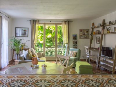 Photo for Spacious Apartement - Vieux Aix - Private car space in the builidng + Balcony