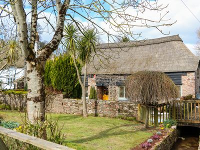 Photo for MEADOW THATCH, pet friendly, with a garden in Cockington, Ref 971936