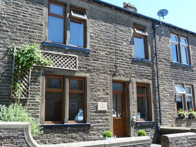 Photo for WISTERIA COTTAGE, family friendly in Haworth, Ref 928463