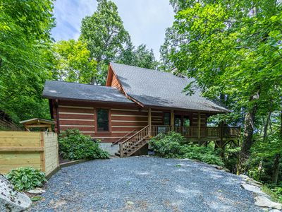 Photo for Farallon- Cozy Cabin in Valle Crucis with Hot Tub, Fire Pit, Pet Friendly!