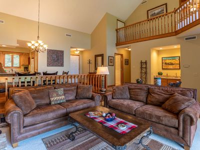 Photo for Chetola: Cypress 5- Remodeled condo in town Blowing Rock with Resort amenities