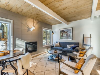 Newly remodeled condo w/ fireplace near area skiing, shopping downtown, more!