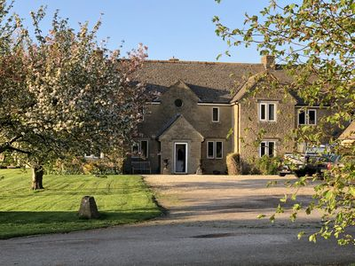 Photo for Sunrise House stunning 5 bedroom family home near Bushton, Wiltshire