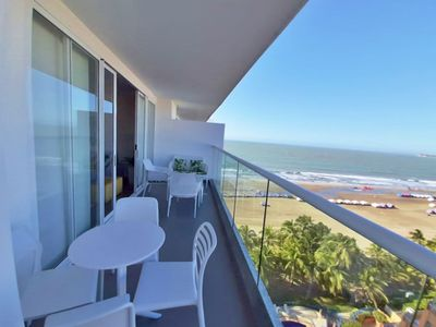 Photo for 12 people, 3 bedrooms, direct access to the beach, 10 minutes from downtown