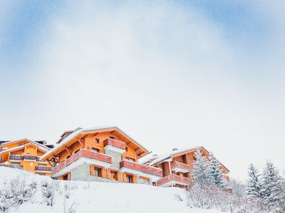 Photo for Classic chalet with hot tub, sauna and great views close to the slopes