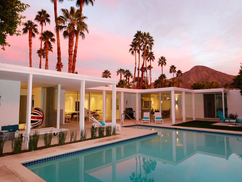 The sexiest vacation rental in indian wells