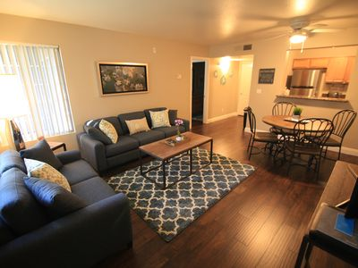 Photo for Cute 1 Bedroom Close To Shopping And Restaurants!