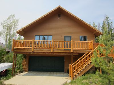 Photo for Grand views & sunlit rooms in this spacious, family & pet-friendly cabin!