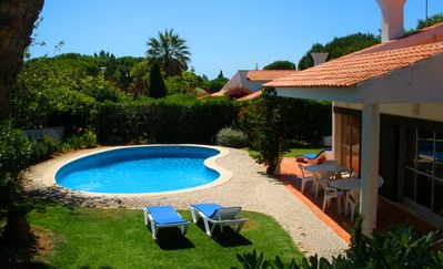 Photo for Four bedroom villa. 15 minutes walk to Vale do Lobo beach. Great value