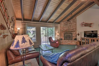 This 1,400-square-foot Incline Village vacation rental is perfect for 8 guests.