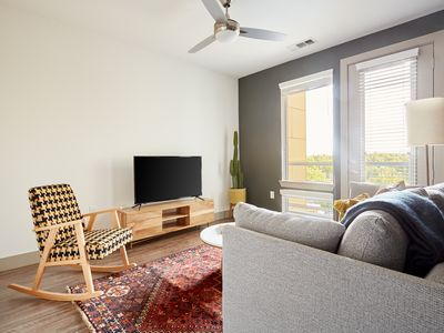 Photo for Sonder | East 5th | Vibrant 1BR + Pool