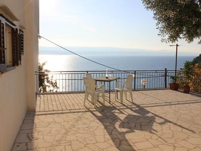 Photo for One bedroom apartment with terrace and sea view Mimice (Omiš)