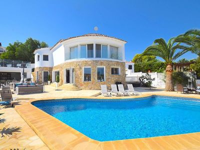 Photo for 5 bed 6 bath luxury villa w/private pool, walking distance to Altea Old Town, A/C, WiFi, pool towels and poolside bar area.
