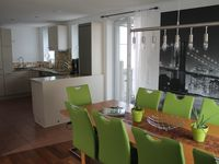The apartment was fantastic. Perfect for the large group we had. The owner was very nice and helpful