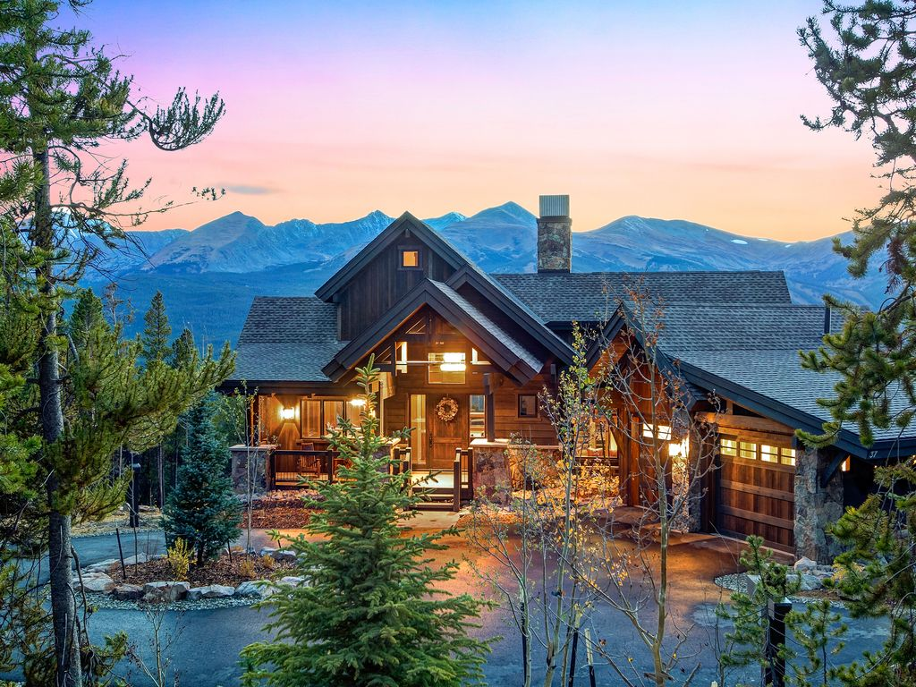 Three sisters lookout luxury private home baldy mountain for Mountain luxury