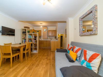 Photo for Central and stylish 2 bed flat near Oxford Street