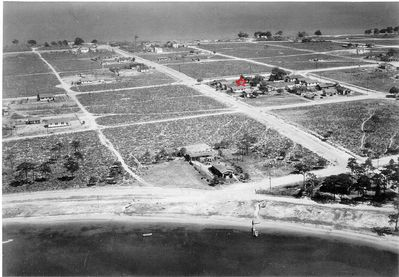 1930's photo of East Pensacola Heights. Red Star Identifies this cottage.