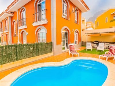 Photo for HOLIDAY VILLA HEATED POOL