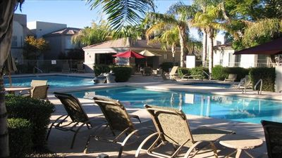 Photo for Exceptional 1 Bedroom Condo, Gated Community, Superb Location