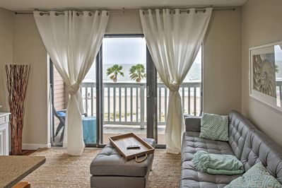 Have an unforgettable coastal Texas escape when you stay at this gorgeous Corpus Christi vacation rental condo!
