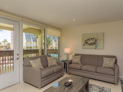 Photo for Easy living, down by the sea! Close to the beach & pool in beautiful beachfront resort