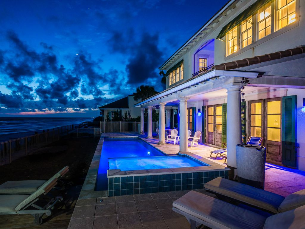 Bluetopia beachfront villa w jetted sitting spa for 85 degrees tanning salon