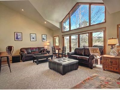 Photo for Breckenridge, CO.  Luxury condo.  Walk to ski slopes and to downtown!
